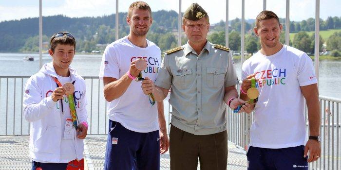 Olympijští Medailisté Jiří Prskavec, Ondřej Synek A Lukáš Krpálek S Generálem Josefem Bečvářem