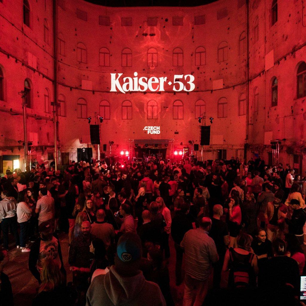 Skupina Jar V Klubu Kaiser 53