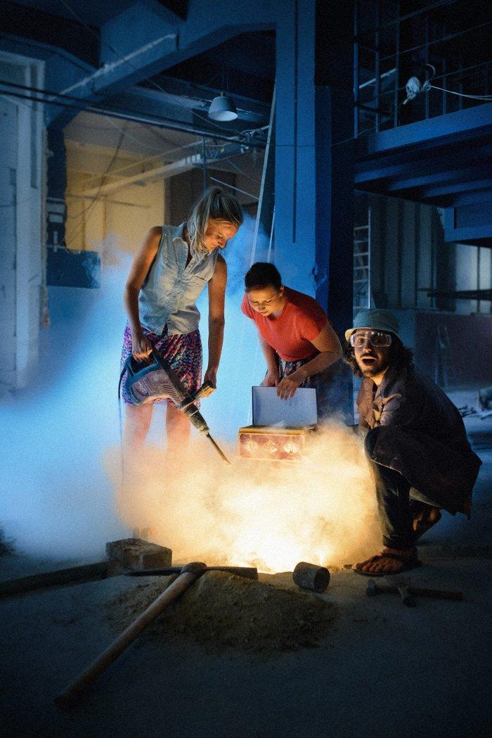 Osvěžení Uprostřed Léta Zajistí Večírek Výtvarné Dramaturgie MeetFactory