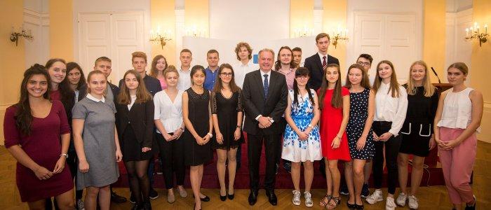 Vítězem XII. Ročníku Mezinárodní Soutěže Jugend Debattiert International Se Stal Student Z Ukrajiny