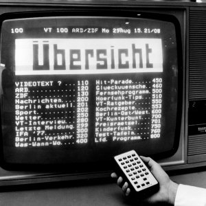 """1979 Die diesjährige IFA steht unter dem Motto """"Hören, Sehen, Aufzeichnen"""". Hier zu sehen: Videotext am Stand von Telefunken.  1979 Videotext is in the focus."""