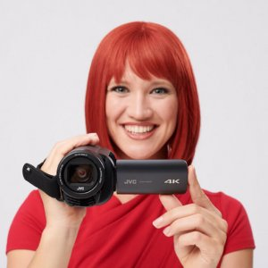 Miss IFA präsentiert Produktneuheiten zur IFA 2018: GZ-RY980 - 4K Quad-Proof Camcorder von JVCKENWOOD  Miss IFA presents new products 2018: GZ-RY980 - 4K Quad-Proof Camcorder by JVCKENWOOD
