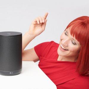 Miss IFA präsentiert Produktneuheiten zur IFA 2018: WK7 Bluetooth Lautsprecher mit Google Assistant von LG Electronics  Miss IFA presents new products 2018: WK7 Bluetooth loudspeaker with Google Assistant by LG Electronics