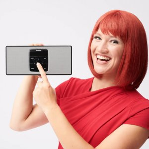 Miss IFA presents new products 2018: DIGITRADIO 2 S by TechniSat