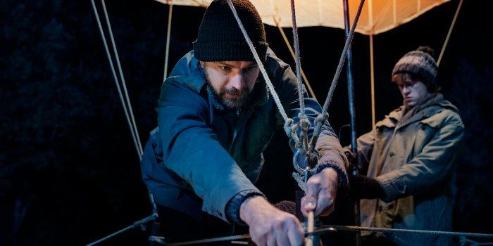 Peter (Friedrich Mücke) Und Frank Strelzyk (Jonas Holdenrieder). Foto Cinemart