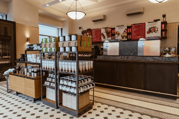 Největší Starbucks Je Na Staromáku