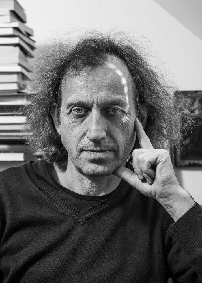 Spisovatel Martin Vopěnka Putuje Nepálem. Na Cestě Ho Doprovází Polárník Jaroslav Pavlíček