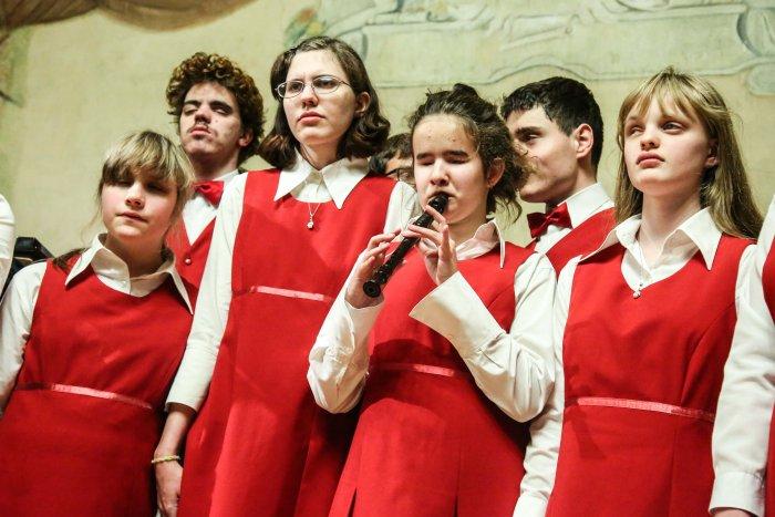 Festival V Krumlově Pomáhá Zrakově Postiženým Muzikantům