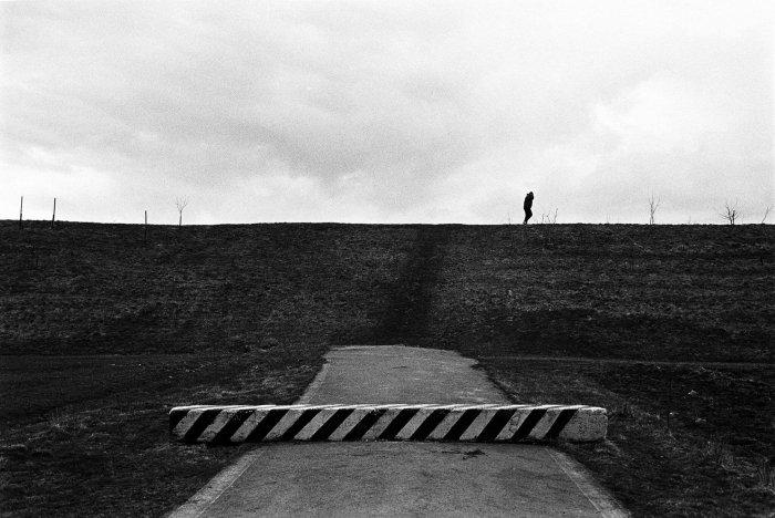 Černobílé Fotografie Lukáše Horkého Ukazují Frýdek-Místek A Okolí Vrozmezí Jedenácti Let