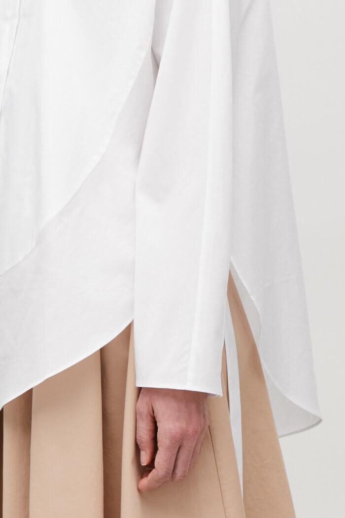 COS Představil Limitovanou Kolekci WHITE SHIRT PROJECT