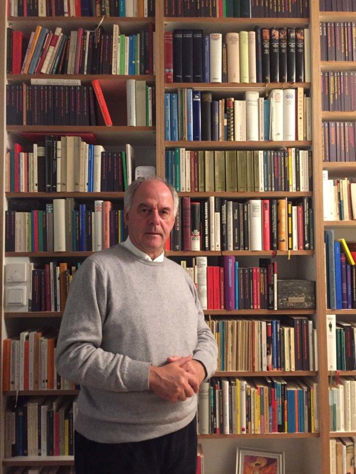 Německý Filozof Wilhelm Schmidt: Všichni Filozofové By Měli Dělat Také Nějakou Praktickou Práci.