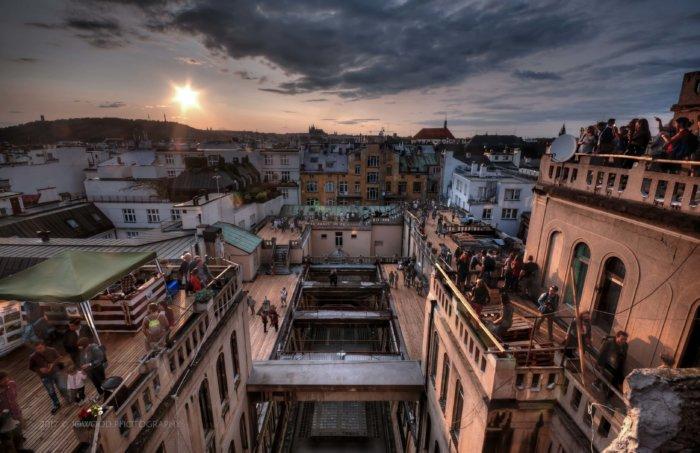 Střecha Lucerny Se Otevře Veřejnosti.Nabídne Výstavu O Budování Lucerny A Rodině Havlů