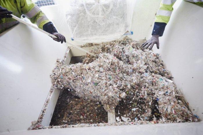 Video: Výroba Ropy Z Plastového Odpadu