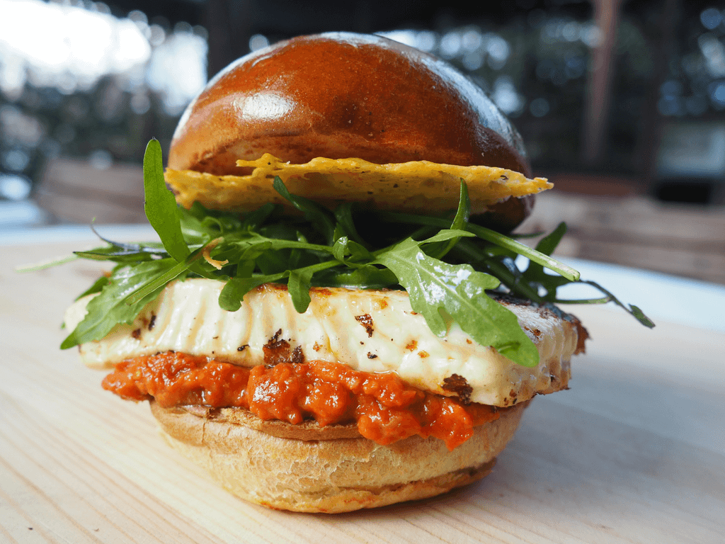 Burger S Grillami A Chipsem Gran Moravia