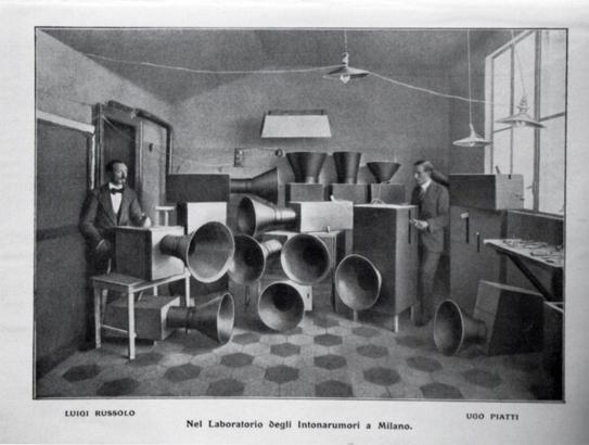 """Instruments  Henry Russolo, pravděpodobně první zdokumentovaný """"DJ a techno producent"""" na světě, rok 1913 - Instruments for futuristic music, called"""