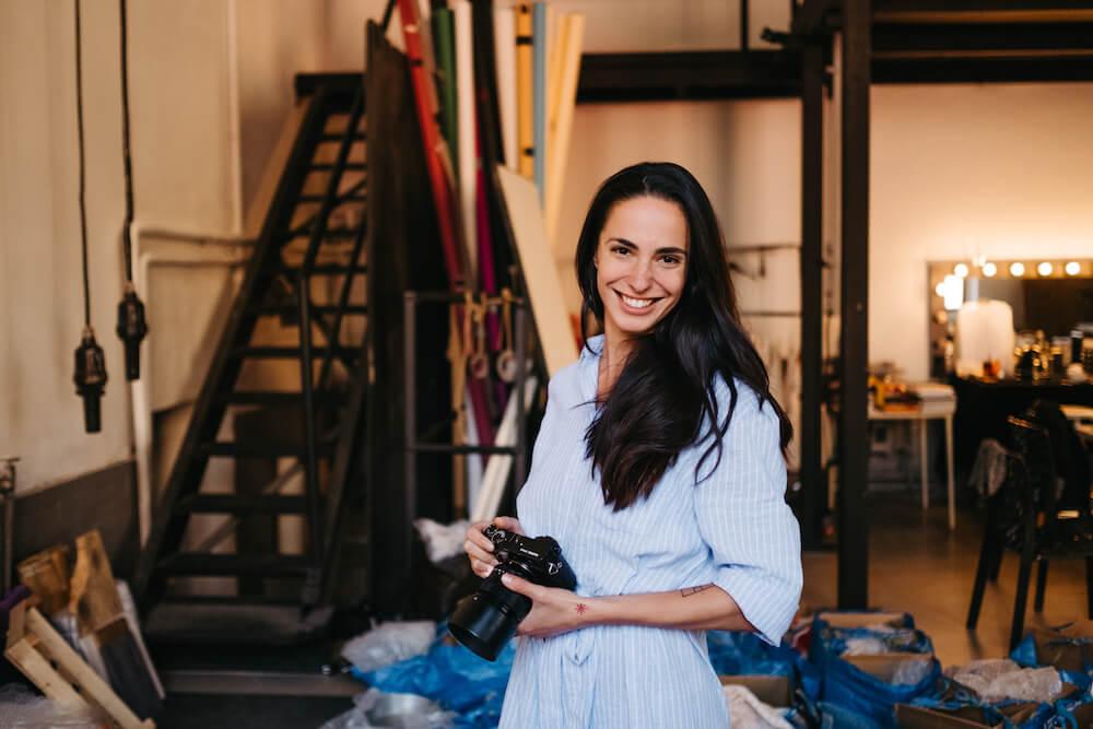 Marie Bartošová - backstage fotka z focení kuchařky pro moderní babičky. Fotil Ondřej Šustík