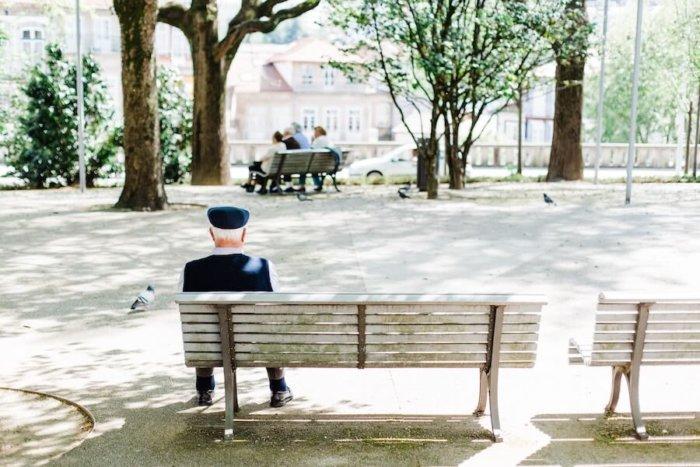 Seniorům často Chybí Zdraví A Peníze