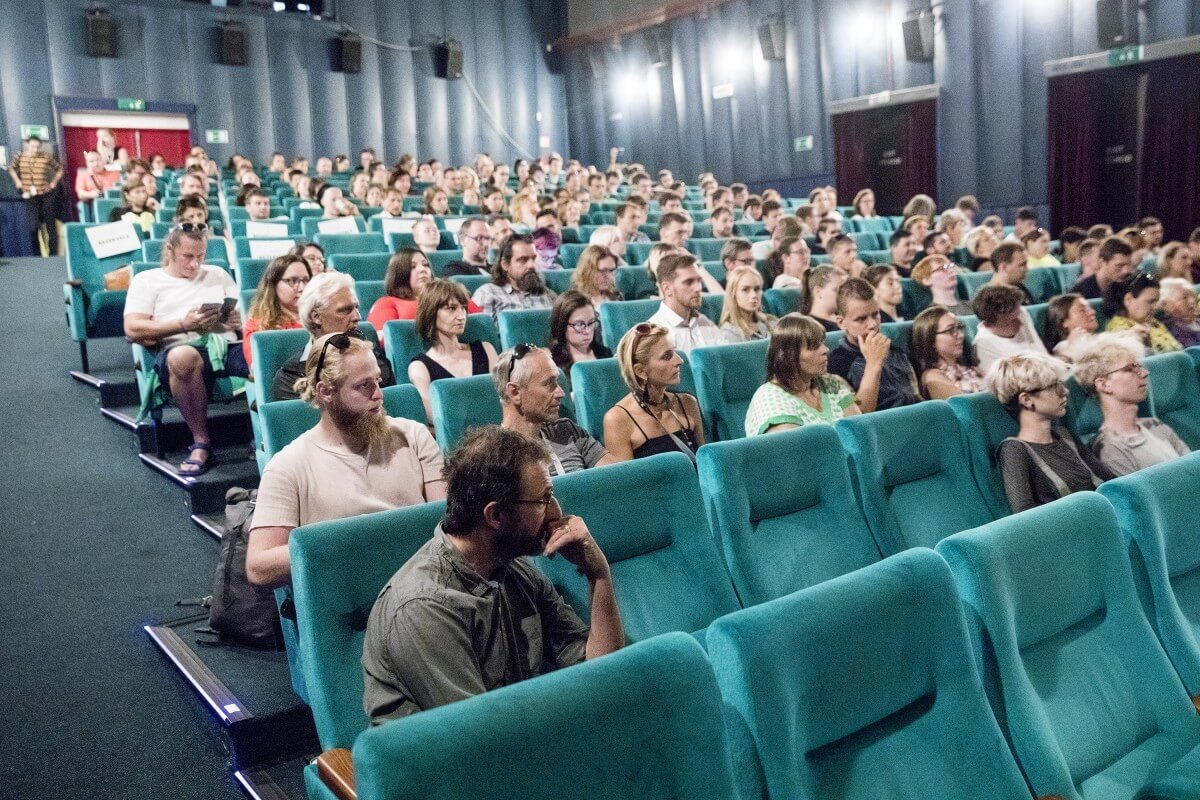 Eaf2 Uvod K Filmu Vsechno Zlato Sveta