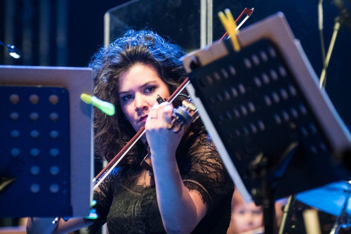 Faae Zahajovaci Koncert U Hotelu Thermal