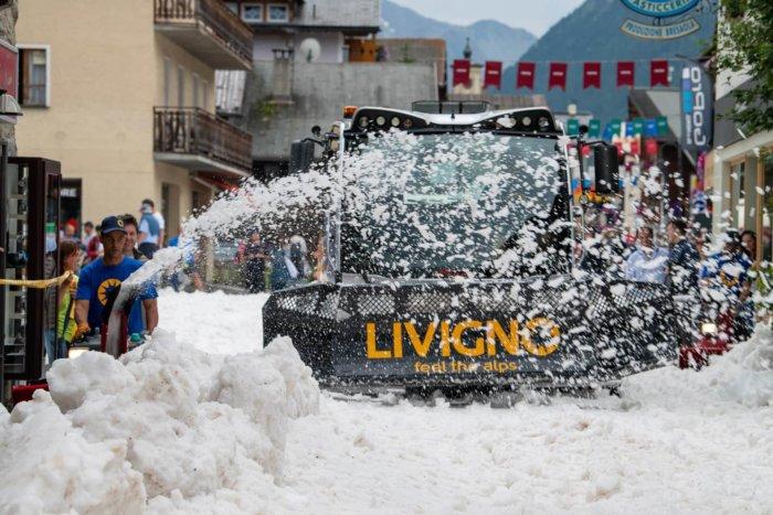 V Livignu Umí Běžkařské Závody I V Létě, Schovali Sníh Ze Zimy