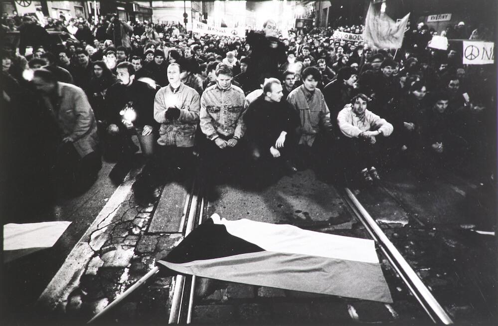 Fotograf Festival, Archeologie Euforie: 1985 - 1995,  foto: Radovan Boček-Sametová revoluce,1989, výstava: 1989 ve fotografii v NG 02