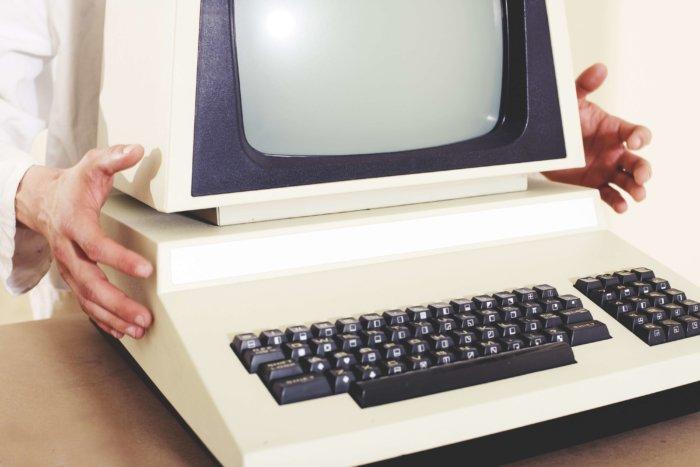 2500 Her Pro MS-DOS Zdarma Ke Hraní Online
