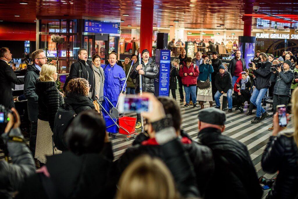 Flashmob Hlavní nádraží, foto 2media
