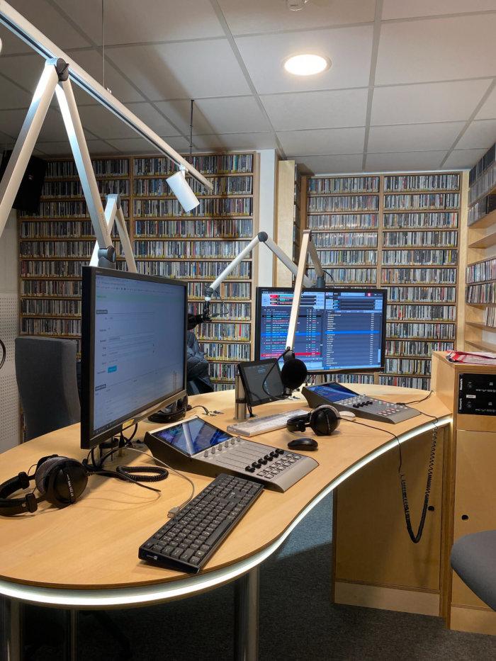 Nová Hudba V Radiu 1 (telegraficky)