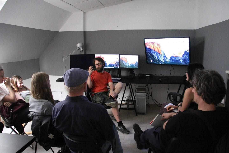 Kurz Postrodukce v digitálních střižnách ve Studiu za komínem. Foto: Studio za komínem