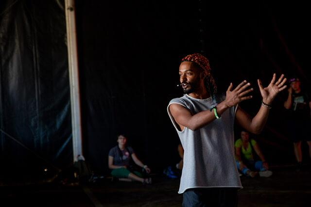 Yemi Dělá Taneční Workshopy Online