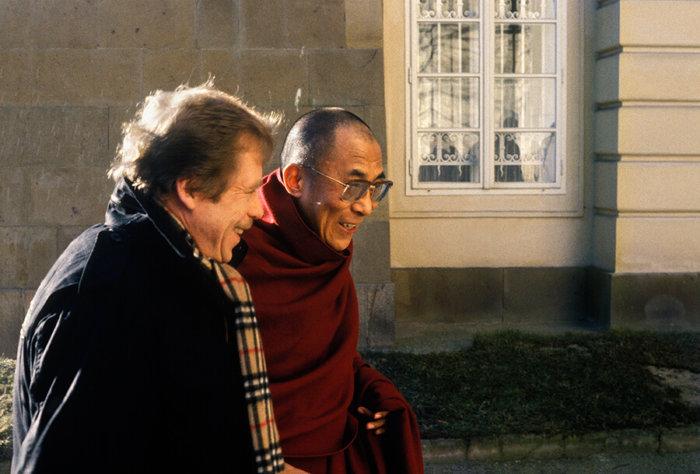 Tibet Open House Vystaví Fotografie Ze Setkání Dalajlamy S Václavem Havlem