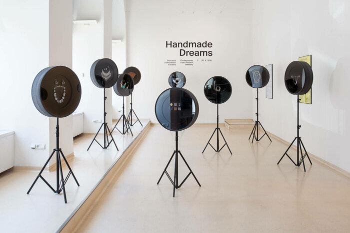 Putovní Výstava Handmade Dreams Se Po 5 Letech Vrací Do Jablonce Nad Nisou