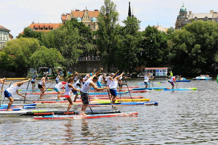 Festival Paddleboardingu Nabídne Zábavu, Romantiku I Adrenalin Pro Každého