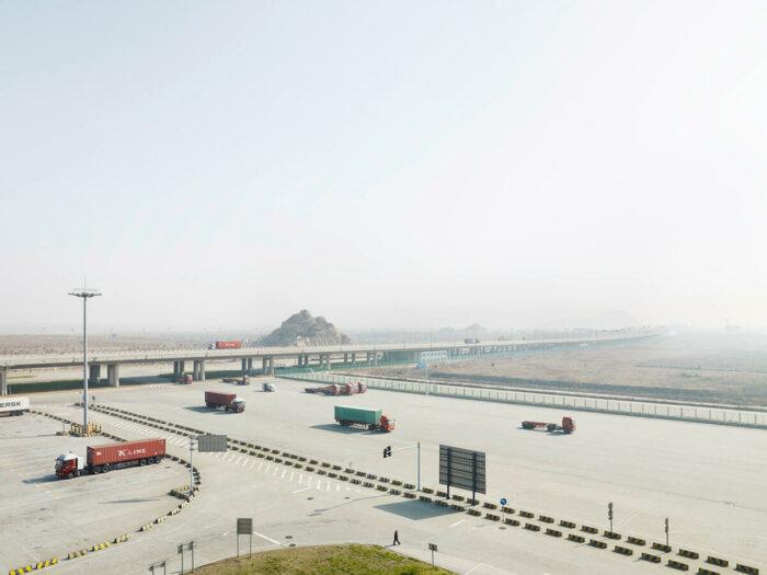 Galerie Fotografic Zahajuje Výstavu Henrika Spohlera O Infrastruktuře Globální Logistiky