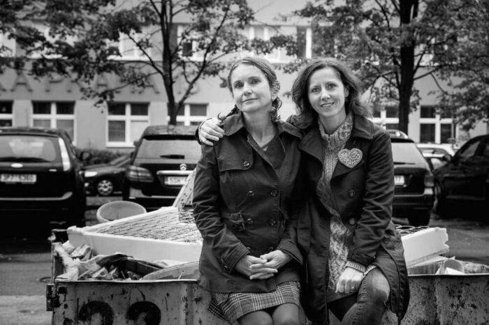 Básnířka S Fotografkou: Nechceme Mít Spoustu Knížek Jenom Doma Pod Postelí