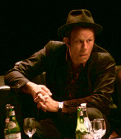 Tom Waits In Buenos Aires 2007.jpg: Theplatypusderivative Work: Klausness, CC BY-SA 2.5 , Via Wikimedia Commons