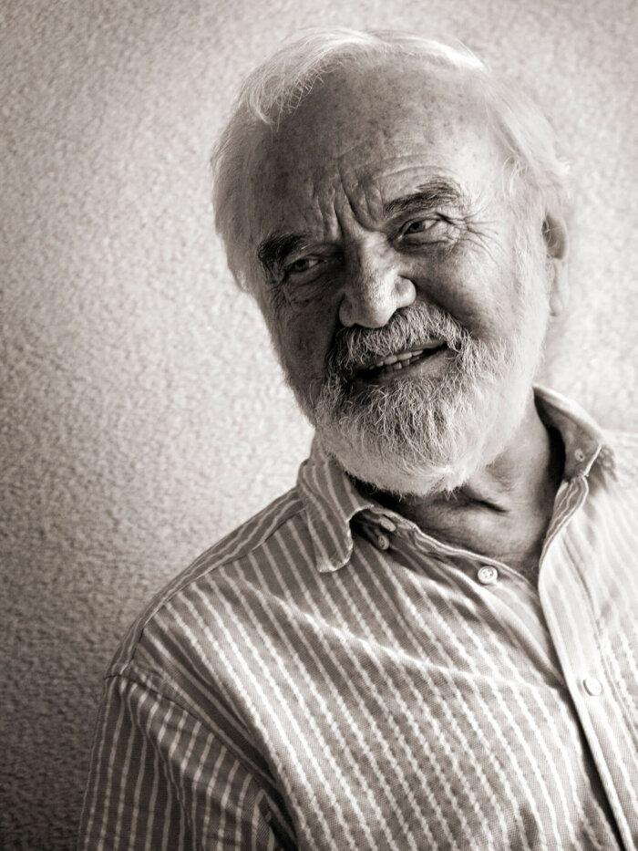 Zdeněk Svěrák Oslaví 85. Narozeniny Trojalbem