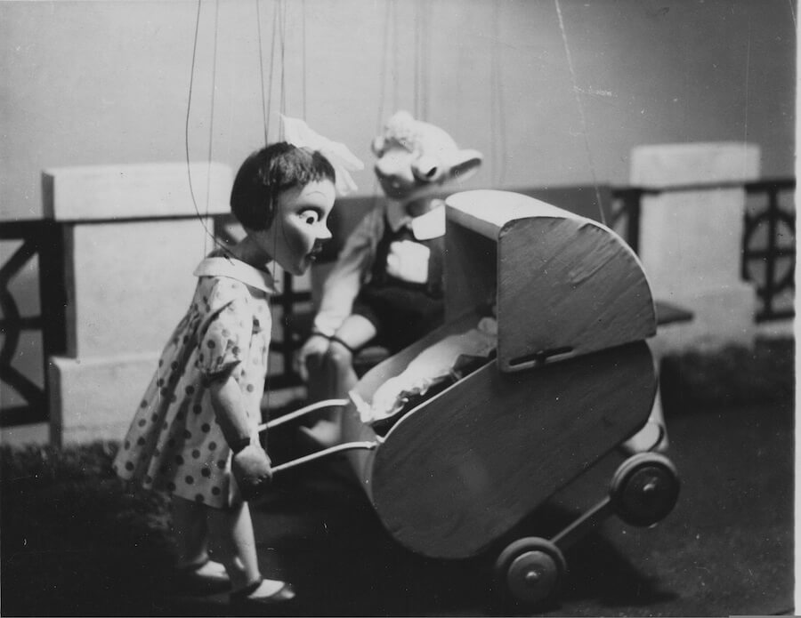 Mánička a Hurvínek ve třicátých letech
