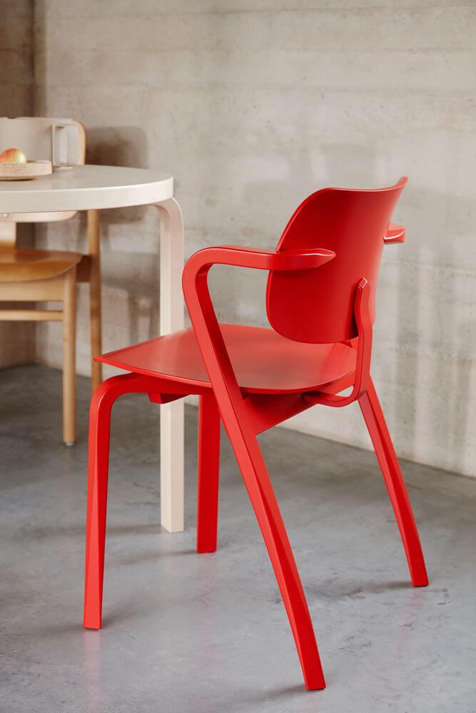 Aslak Chair Table 90B Photo Mikko Ryhanen