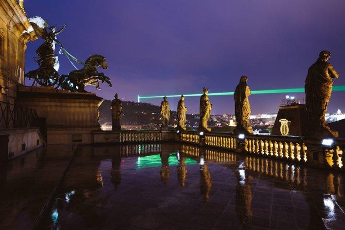 Nedělní Laser Nad Prahou
