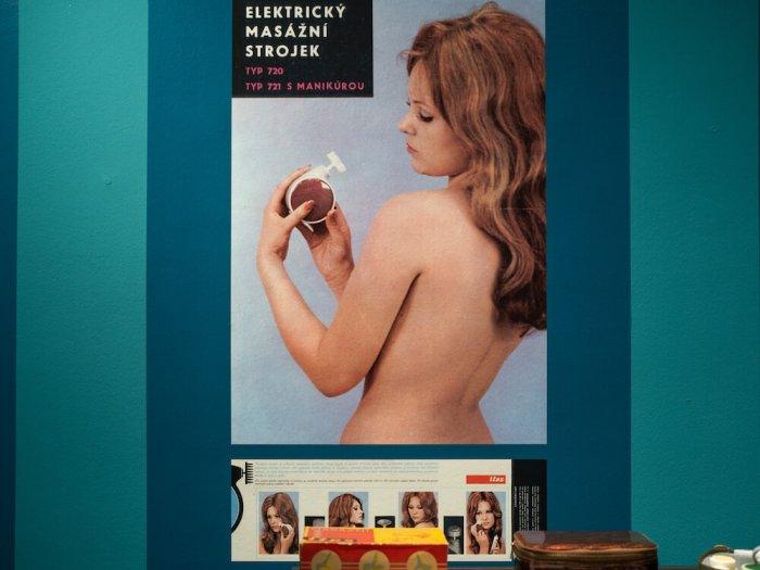 Ve Středu Začne Výstava O Erotickém Průmyslu V Československu. Sexy Skleničky, Doklady Prostitutek I Masážní Strojky