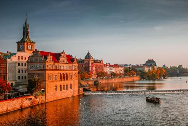 Praha Plánuje Sázet Stromy A Revitalizovat Parky. Schválila Miliony