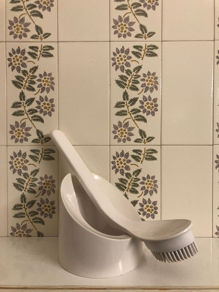 Design Kolem Nás: Toaletní Kartáč Cucciolo
