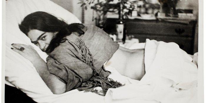 Frida Ležící Na Břiše, Nickolas Muray, 1946 © Muzeum Fridy Kahlo, Zdroj GHMP